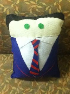 Blaine Warbler. Pillows can be bought at etsy.com/shop/pokeypillows.