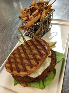 How does a California Veggie Burger made with falafel, black garlic and cucumber tzatziki sound? No meat, all sorts of flavor! Stop by Arterra Del Mar to give it a try. #delmar #yum
