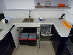 Nuestros productos de cocina están diseñados y fabricados para durar toda la vida. Corner Desk, Furniture, Home Decor, Bathroom Furniture, Products, Home, Houses, Life, Corner Table