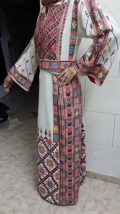 أجمل أزياء فلسطين التراثية الباقية فى صور -Palestine
