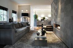 Meridiani sofa and lamp - Elitis wallpaper
