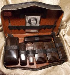 vintage edwardian gentlemans travel grooming shaving kit gentleman men shaving and travel. Black Bedroom Furniture Sets. Home Design Ideas