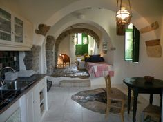 http://decoholic.org/2013/06/25/beautiful-picturesque-studios-in-kythera-greece/
