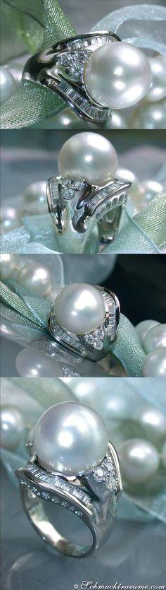 Huge South Sea Pearl Diamond Ring, 1,32 ct. G-VS WG18K - Visit: schmucktraeume.com - Like: https://www.facebook.com/pages/Noble-Juwelen/150871984924926 - Mail: info@schmucktraeume.com