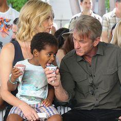 LA Blok Partisi Etkinliğinde Charlize Theron ve Sean Penn'in