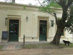 1888 Restaurant, Manzanares. Pilar.
