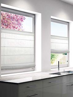 Dezent wirkt das Faltrollo MOOD von buchheister in der Farbe Weiß. Das lichtdurchlässige Rollo aus Polyester gibt Sichtschutz und verschönert mit seinem schlichten Design Ihre Fenster in diversen Wohnraumen. Das Faltrollo ist mit Klemmträgern ausgestattet. Montieren lässt sich die Faltgardine auf oder im Fensterrahmen. Das Rollo lässt sich frei verschieben.Auch in anderen Größen erhältlich.Material: 100% Polyester