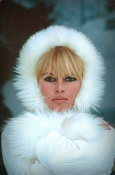Brigitte Bardot Brigitte Bardot, Bridget Bardot, Beauté Blonde, Blonde Actresses, Animal Activist, French Actress, French Fashion, Bold Fashion, Fashion Trends