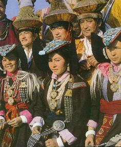 Ladakhi people of india dress and ornaments