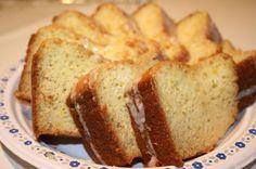 Magnolia Bakery Lemon Vanilla Bundt Cake ~ club soda makes for a really tender crumb.