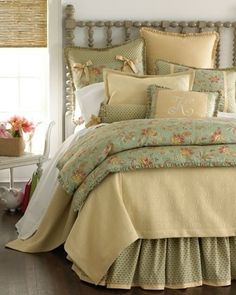 lots of pillows, layers of linens and soft, bright light <3<3 #countryliving #dreambedroom