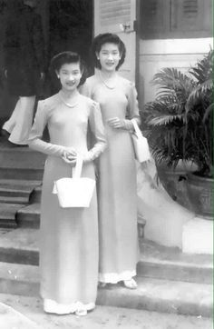 Vietnamese Clothing, Ao Dai, Statue, History, Formal Dresses, Clothes, Fashion, Dresses For Formal, Outfits