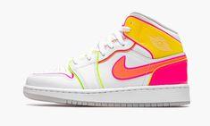 Glow Shoes, Dr Shoes, Nike Air Shoes, Hype Shoes, Nike Air Jordans, Me Too Shoes, Pink Jordans, Swag Shoes, Air Jordan Sneakers