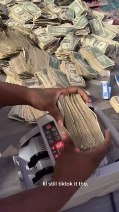 Savings Challenge, Money Saving Challenge, Money Envelope System, Money Girl, Money On My Mind, Money Pictures, Money Stacks, Bad Girl Aesthetic, Finance Tips