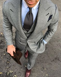 Great Texture and color. Just a beautiful grey suit. Very well put together!