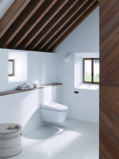 Het toilet op afstand doorspoelen met de Geberit afstandsbediening Type 70. Stijlvol!