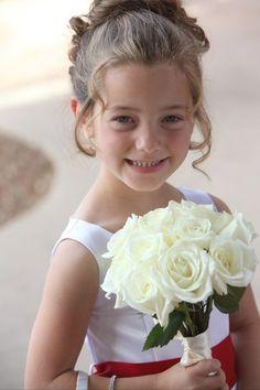 Adorable flower girl #hair #wedding