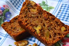 Passion and Temptation: Full Apple and walnut cake Walnut Cake, Pan Bread, Meatloaf, Scones, Bread Recipes, Banana Bread, Bakery, Muffin, Food And Drink