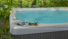Watch our short videos to learn everything you need to know about hot tubs. Buying, maintaining, and owning a Beachcomber Hot Tub has never been easier.