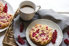 Drożdżówki z porzeczką - Red currant sweet buns
