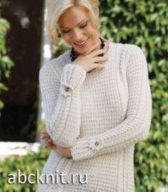 Белый женский пуловер спицами
