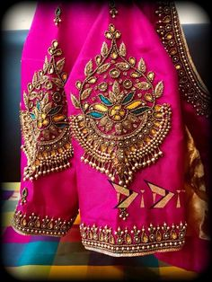 blouse designs 10 Beautiful Blouse Sleeve Designs For 2019 Hand Work Blouse Design, Simple Blouse Designs, Stylish Blouse Design, Fancy Blouse Designs, Bridal Blouse Designs, Blouse Neck Designs, Sleeve Designs, Pattu Saree Blouse Designs, Maggam Work Designs