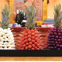 pineapple appetizer idea. Love this                                                                                                                                                     Mais