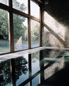 House glass architecture floors New Ideas Interior Architecture, Interior And Exterior, Spa Luxe, Design Transparent, Babington House, Moderne Pools, Modern Entrance, Backyard Pool Designs, Indoor Swimming Pools