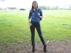 Floortje wearing Invito boots