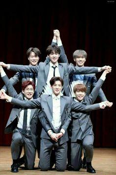 Star Formation Idk Astro that much but this is so cute! 17 Kpop, Kpop Boy, Jinjin Astro, Day6 Sungjin, Astro Wallpaper, Wallpaper Lockscreen, Lee Dong Min, Eunwoo Astro, Cha Eun Woo Astro