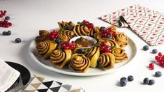 Einfach und lecker - der Nutella Kranz! #nutella #kranz #backen #rezept #rezepte