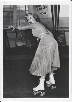 Marilyn Monroe Omg I've never seen this photo! It's so cute!