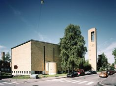 Tomas church  Tuomaankirkko was originally the church of the Swedish-speaking congregation and was known as Tomas kyrka. The church and other facilities are located in conjunction with Meilahti Church. Aarchitect Markus Tavio.