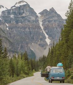 All variants of the Volkswagen - or Vanagon, Kombi, Transporter, Caravelle, Microbus. Vw Camping, Outdoor Camping, Campervan Hacks, Transporter T3, Road Trip, Combi Vw, Campervan Interior, Cool Campers, Travel Goals