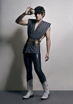 Juan Son y su singular forma de vestir lml