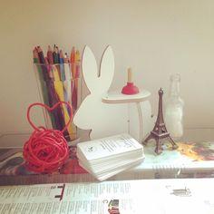 Basta pouco pra deixar um cantinho #lindo assim ;) Vc encontra o #mini #Harry na Rua Artur de Azevedo 1561  Pinheiros ................... Harry Coelho Miniature 3DPuzzleDesignCollection ........... 45  Entenda pq nossos produtos são #sustentaveis video no canal do #youtube Dani Loren Oficial Assistam a palestra sobre o conceito definido pela designer Dani Loren  Sustainable Design Thinking Mostrem para as crianças tb ;) #conteudosustentavel ... Em qualquer #quartodebebe eles se destacam…