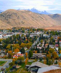 America's Favorite Mountain Towns: Jackson, WYLove this Place!  WInter is a fun time