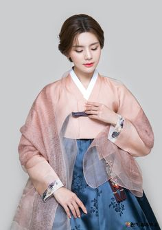 반가의 - (A13) 2018 반가의우리옷 Korean Traditional Dress, Traditional Fashion, Traditional Dresses, Cute Korean Fashion, Korea Fashion, Korean Dress, Korean Outfits, Hanbok Wedding, Modern Hanbok