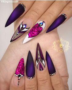 Ongles Stiletto Mat, Nail Design Stiletto, Matte Stiletto Nails, Nail Design Glitter, Nails Design, Pointed Nails, Salon Design, Black Nails, Coffin Nails