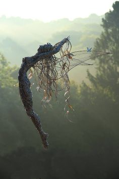 Fantasy Wire Sculptures by Robin Wight – Musetouch Visual Arts Magazine Robin Wight, Wire Art Sculpture, Wire Sculptures, Abstract Sculpture, Sculptures Sur Fil, Fantasy Wire, Fantasy Kunst, Fairy Art, Hand Illustration