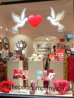11 Secrets to Great Window Displays: Increase Retail Sales