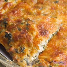 Keto Spinach Pie Easy for any weeknight meal! Low Carb Keto, Low Carb Recipes, Diet Recipes, Vegetarian Recipes, Cooking Recipes, Healthy Recipes, Plats Healthy, Comida Keto, Keto Snacks