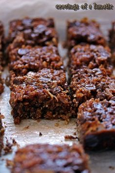 Samoas aka Coconut Caramel Cookie Bars from Cravings of a Lunatic - Super easy to make and absolutely delicious but don't even try to pretend they are low calorie - well worth the splurge Mini Desserts, Beaux Desserts, Cookie Desserts, Cookie Bars, Just Desserts, Cookie Recipes, Delicious Desserts, Dessert Recipes, Bar Cookies