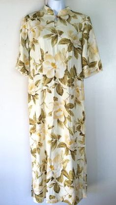 Iolani Hawaiian Chinese collar dress with magnolia flowers
