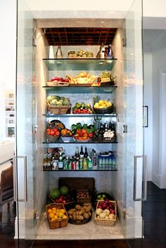 Foster's Refrigerator Steals the Show on The Real Housewives of Beverly Hills — Yes, Really!Yolanda Foster's Refrigerator Steals the Show on The Real Housewives of Beverly Hills — Yes, Really! Kitchen Tops, Kitchen Decor, Kitchen Ideas, 1950s Kitchen, Condo Kitchen, Kitchen Trends, Kitchen Styling, Kitchen Inspiration, Kitchen Designs