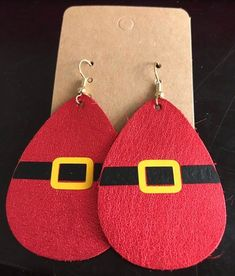 Jewelry Making Earrings Leather Santa earrings - This listing is for a set of red Santa genuine leather earrings. They measure approximately 2 by 1 each. They are made with nickel free findings. It is a great gift! Diy Leather Earrings, Diy Earrings, Leather Jewelry, Leather Craft, Beaded Jewelry, Handmade Jewelry, Gold Jewelry, Gold Bracelets, How To Make Earrings