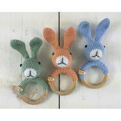 Mesmerizing Crochet an Amigurumi Rabbit Ideas. Lovely Crochet an Amigurumi Rabbit Ideas. Crochet Baby Toys, Easter Crochet, Crochet Patterns Amigurumi, Free Crochet, Baby Knitting Patterns, Baby Patterns, Baby Accessoires, Diy Bebe, Crochet Rabbit