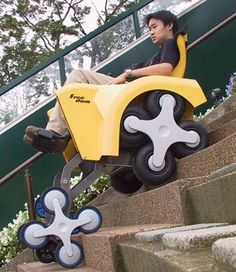 階段昇降可能な電動車椅子