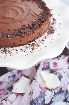Raw Chocolate Mousse Cake