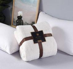 The Cozy Super Soft Fleece Blanket – TheCozyUniverse